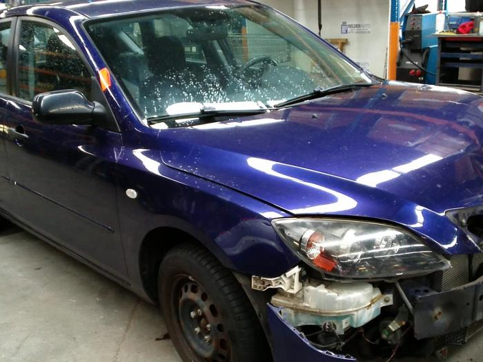 Mazda 3 (BK12) 1.6 MZ-CD 16V (klik op de afbeelding voor de volgende foto)  (klik op de afbeelding voor de volgende foto)  (klik op de afbeelding voor de volgende foto)  (klik op de afbeelding voor de volgende foto)  (klik op de afbeelding voor de volgende foto)