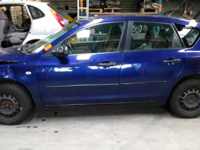 Mazda 3 (BK12) 1.6 MZ-CD 16V (Klicken Sie auf das Bild für das nächste Foto)  (Klicken Sie auf das Bild für das nächste Foto)  (Klicken Sie auf das Bild für das nächste Foto)  (Klicken Sie auf das Bild für das nächste Foto)  (Klicken Sie auf das Bild für das nächste Foto)  (Klicken Sie auf das Bild für das nächste Foto)  (Klicken Sie auf das Bild für das nächste Foto)