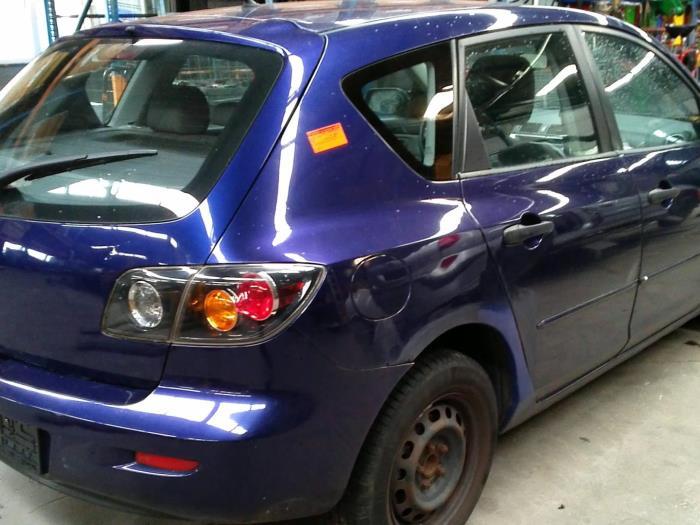 Mazda 3 (BK12) 1.6 MZ-CD 16V (Klicken Sie auf das Bild für das nächste Foto)  (Klicken Sie auf das Bild für das nächste Foto)  (Klicken Sie auf das Bild für das nächste Foto)