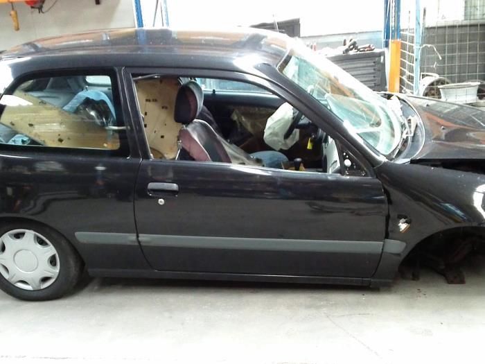 Toyota Starlet (EP9) 1.3,XLi,GLi 16V (klik op de afbeelding voor de volgende foto)  (klik op de afbeelding voor de volgende foto)  (klik op de afbeelding voor de volgende foto)  (klik op de afbeelding voor de volgende foto)