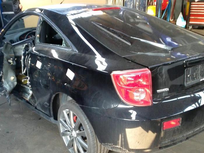 Toyota Celica {ZZT230/231} 1.8i 16V (klik op de afbeelding voor de volgende foto)