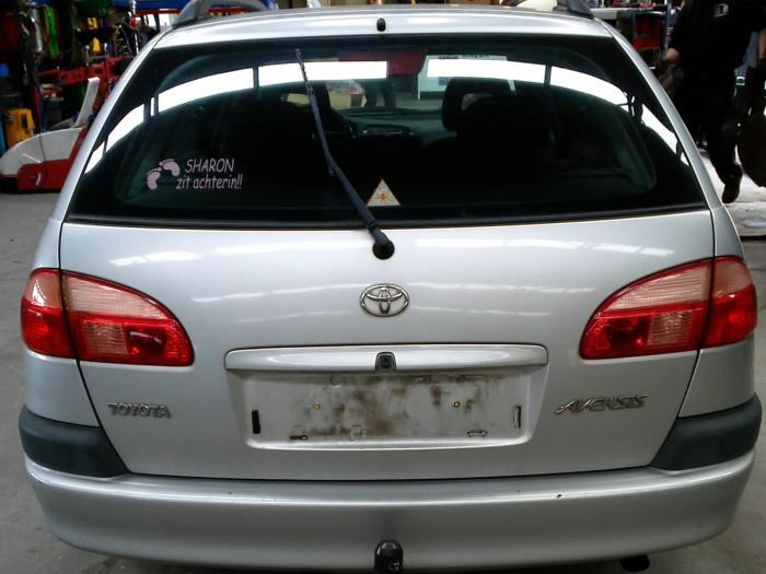 Toyota Avensis (T22) 1.8 16V VVT-i (klik op de afbeelding voor de volgende foto)  (klik op de afbeelding voor de volgende foto)