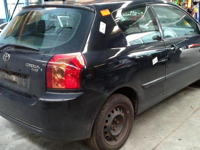 Toyota Corolla (E12) 1.4 D-4D 16V (klik op de afbeelding voor de volgende foto)  (klik op de afbeelding voor de volgende foto)  (klik op de afbeelding voor de volgende foto)