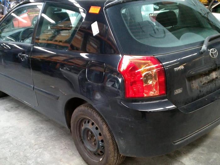 Toyota Corolla (E12) 1.4 D-4D 16V (klik op de afbeelding voor de volgende foto)