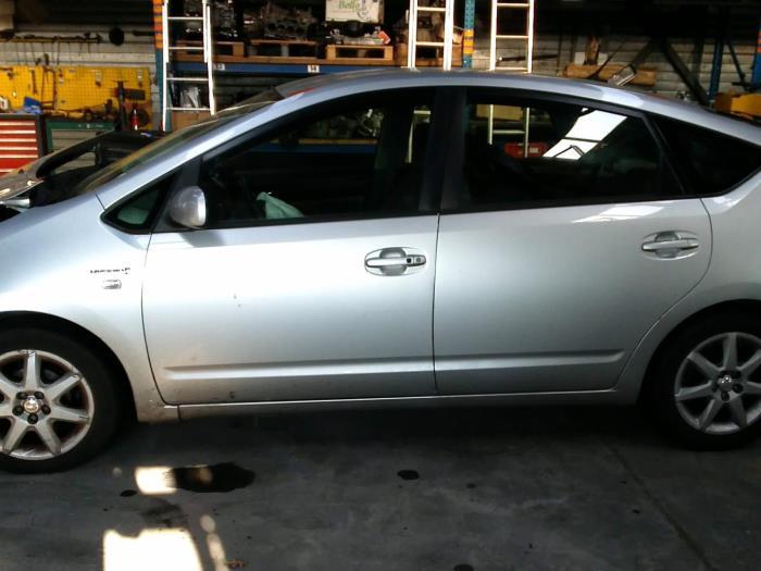 Toyota Prius (NHW20) 1.5 16V (klik op de afbeelding voor de volgende foto)  (klik op de afbeelding voor de volgende foto)  (klik op de afbeelding voor de volgende foto)  (klik op de afbeelding voor de volgende foto)  (klik op de afbeelding voor de volgende foto)  (klik op de afbeelding voor de volgende foto)  (klik op de afbeelding voor de volgende foto)