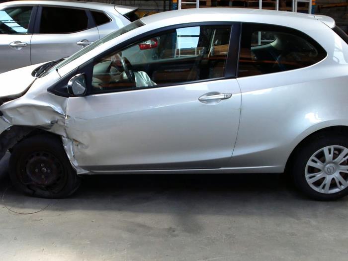 Mazda 2 (DE) 1.3 16V S-VT (klik op de afbeelding voor de volgende foto)  (klik op de afbeelding voor de volgende foto)  (klik op de afbeelding voor de volgende foto)  (klik op de afbeelding voor de volgende foto)  (klik op de afbeelding voor de volgende foto)  (klik op de afbeelding voor de volgende foto)  (klik op de afbeelding voor de volgende foto)