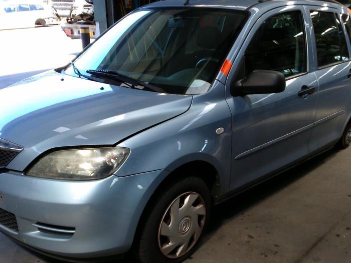 Mazda 2 (NB/NC/ND/NE) 1.25 16V (klik op de afbeelding voor de volgende foto)  (klik op de afbeelding voor de volgende foto)  (klik op de afbeelding voor de volgende foto)  (klik op de afbeelding voor de volgende foto)  (klik op de afbeelding voor de volgende foto)  (klik op de afbeelding voor de volgende foto)  (klik op de afbeelding voor de volgende foto)  (klik op de afbeelding voor de volgende foto)
