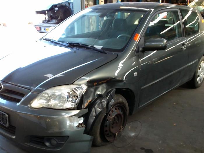Toyota Corolla (E12) 1.4 D-4D 16V 2006 Instrumentenpaneel (klik op de afbeelding voor de volgende foto)