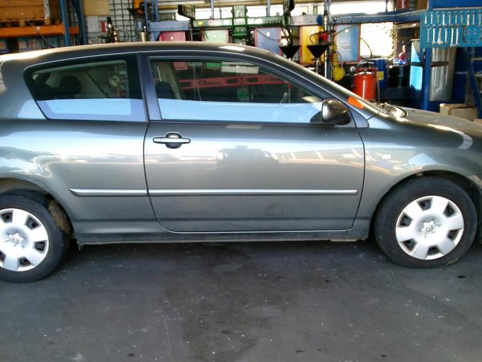 Toyota Corolla (E12) 1.4 D-4D 16V (klik op de afbeelding voor de volgende foto)  (klik op de afbeelding voor de volgende foto)  (klik op de afbeelding voor de volgende foto)  (klik op de afbeelding voor de volgende foto)