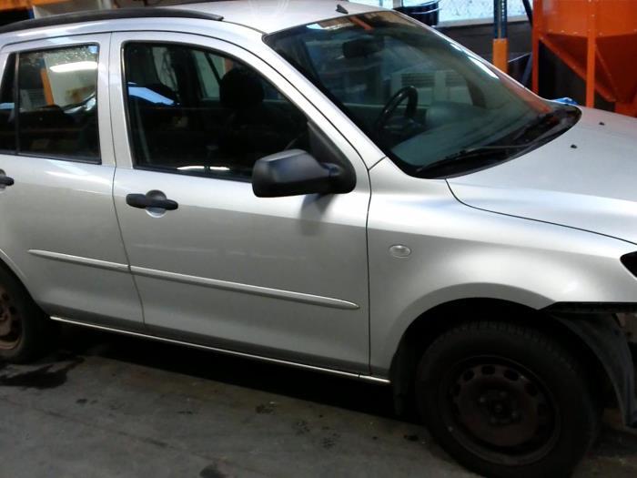 Mazda 2 (NB/NC/ND/NE) 1.25 16V (klik op de afbeelding voor de volgende foto)  (klik op de afbeelding voor de volgende foto)  (klik op de afbeelding voor de volgende foto)  (klik op de afbeelding voor de volgende foto)