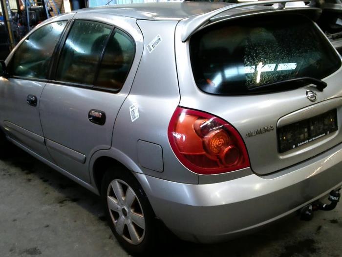 Nissan Almera (N16) 1.5 16V (klik op de afbeelding voor de volgende foto)