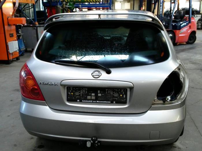 Nissan Almera (N16) 1.5 16V (klik op de afbeelding voor de volgende foto)  (klik op de afbeelding voor de volgende foto)