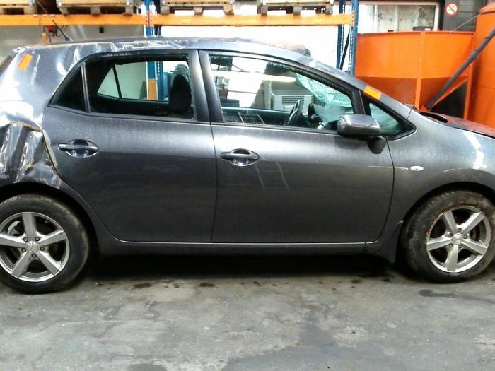 Toyota Auris (E15) 1.4 D-4D-F 16V (klik op de afbeelding voor de volgende foto)  (klik op de afbeelding voor de volgende foto)  (klik op de afbeelding voor de volgende foto)  (klik op de afbeelding voor de volgende foto)