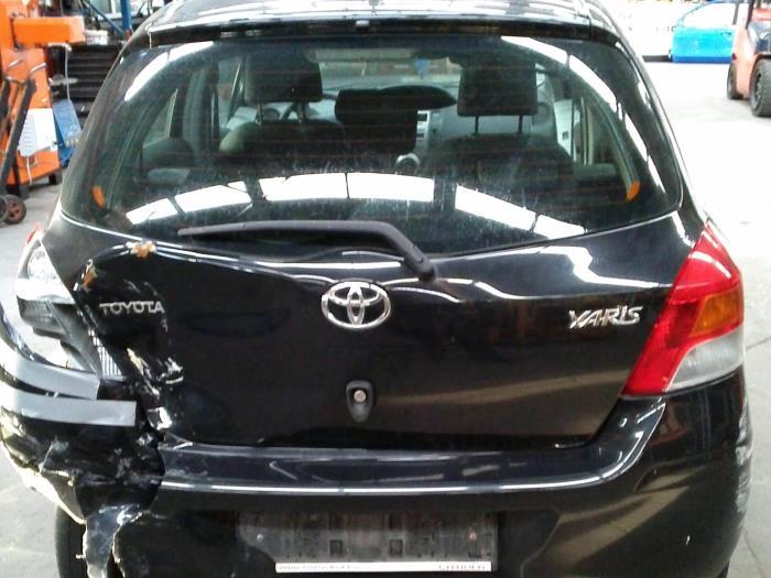 Toyota Yaris II (P9) 1.0 12V VVT-i (Klicken Sie auf das Bild für das nächste Foto)