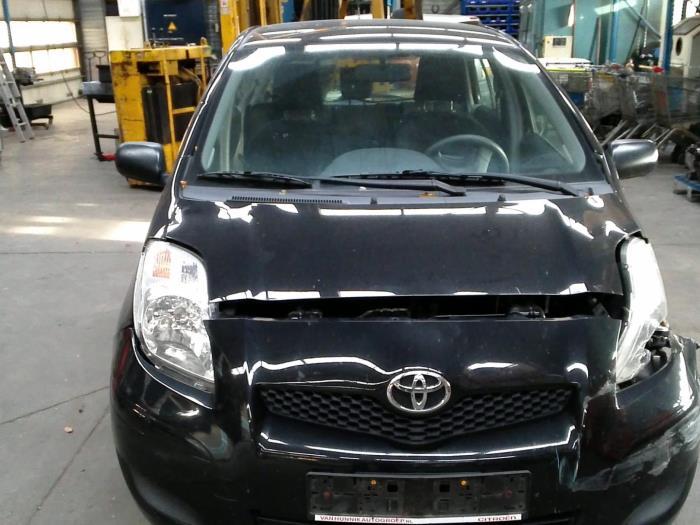 Toyota Yaris II (P9) 1.0 12V VVT-i (Klicken Sie auf das Bild für das nächste Foto)  (Klicken Sie auf das Bild für das nächste Foto)  (Klicken Sie auf das Bild für das nächste Foto)  (Klicken Sie auf das Bild für das nächste Foto)  (Klicken Sie auf das Bild für das nächste Foto)