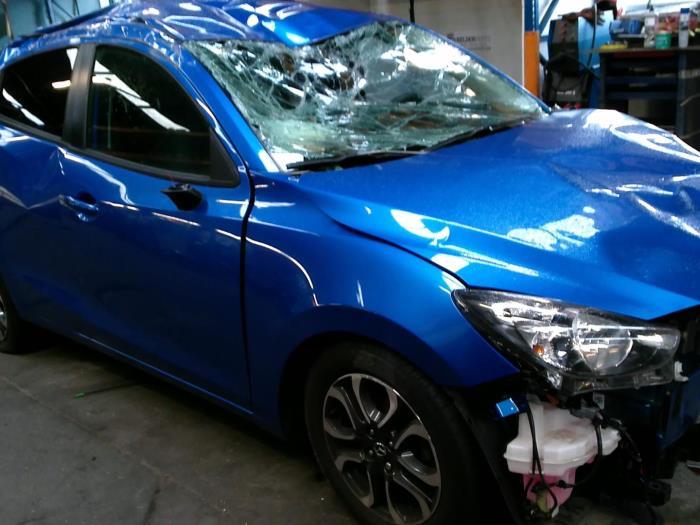 Mazda 2 (DJ/DL) 1.5 SkyActiv-G 90 (klik op de afbeelding voor de volgende foto)  (klik op de afbeelding voor de volgende foto)  (klik op de afbeelding voor de volgende foto)  (klik op de afbeelding voor de volgende foto)  (klik op de afbeelding voor de volgende foto)