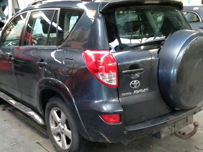 Toyota RAV4 (A3) 2.2 D-CAT 16V 4x4 (klik op de afbeelding voor de volgende foto)