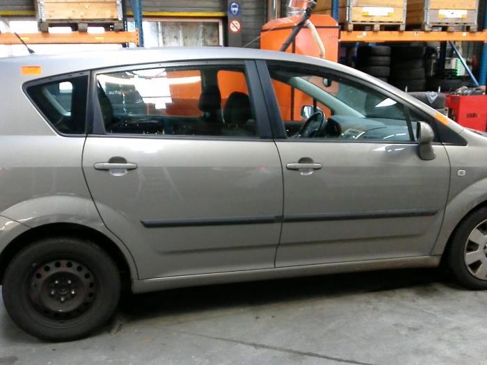 Toyota Corolla Verso (R10/11) 1.8 16V VVT-i (klik op de afbeelding voor de volgende foto)  (klik op de afbeelding voor de volgende foto)  (klik op de afbeelding voor de volgende foto)  (klik op de afbeelding voor de volgende foto)