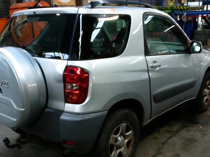 Toyota RAV4 (A2) 1.8 16V VVT-i 4x2 (Klicken Sie auf das Bild für das nächste Foto)  (Klicken Sie auf das Bild für das nächste Foto)  (Klicken Sie auf das Bild für das nächste Foto)