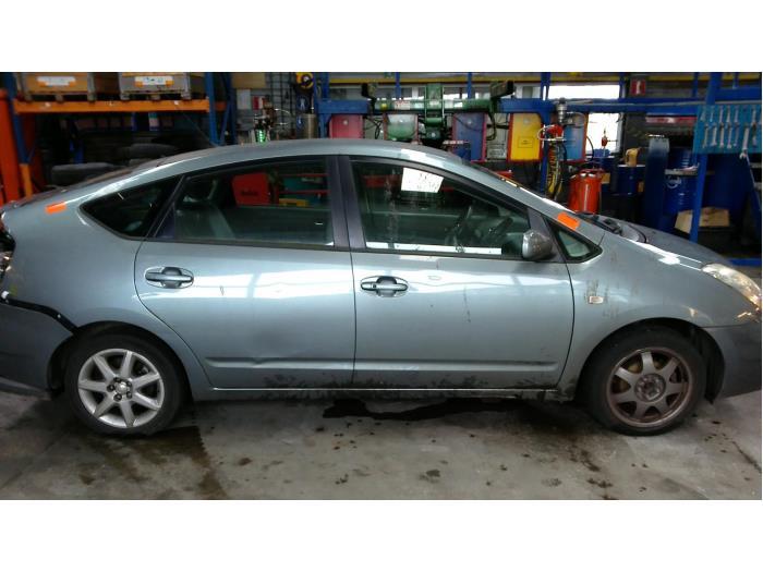 Toyota Prius (NHW20) 1.5 16V (klik op de afbeelding voor de volgende foto)  (klik op de afbeelding voor de volgende foto)  (klik op de afbeelding voor de volgende foto)  (klik op de afbeelding voor de volgende foto)