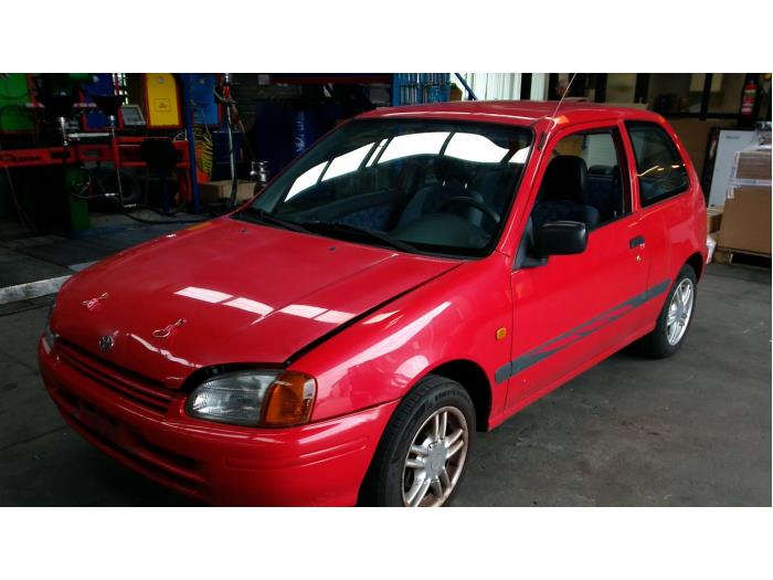 Toyota Starlet (EP9) 1.3,XLi,GLi 16V 1998 Stuurhuis Bekrachtigd (klik op de afbeelding voor de volgende foto)