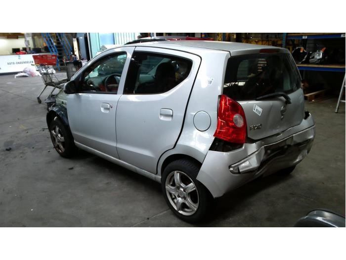 Nissan Pixo (D31S) 1.0 12V (Klicken Sie auf das Bild für das nächste Foto)