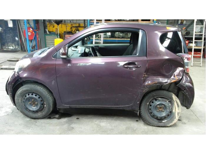 Toyota iQ 1.0 12V VVT-i (Klicken Sie auf das Bild für das nächste Foto)