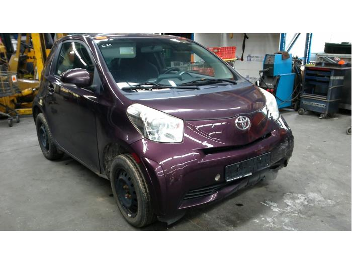 Toyota iQ 1.0 12V VVT-i (Klicken Sie auf das Bild für das nächste Foto)  (Klicken Sie auf das Bild für das nächste Foto)  (Klicken Sie auf das Bild für das nächste Foto)  (Klicken Sie auf das Bild für das nächste Foto)  (Klicken Sie auf das Bild für das nächste Foto)