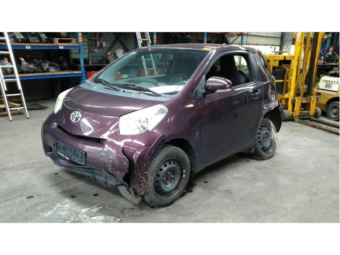 Toyota iQ 1.0 12V VVT-i (Klicken Sie auf das Bild für das nächste Foto)  (Klicken Sie auf das Bild für das nächste Foto)