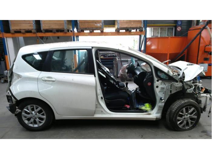 Nissan Note (E12) 1.2 68 (klik op de afbeelding voor de volgende foto)  (klik op de afbeelding voor de volgende foto)  (klik op de afbeelding voor de volgende foto)  (klik op de afbeelding voor de volgende foto)