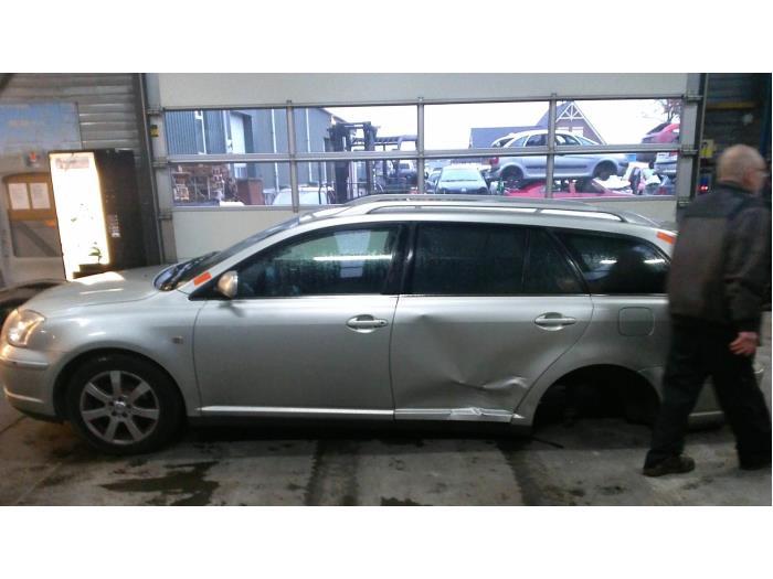 Toyota Avensis Wagon (T25/B1E) 1.8 16V VVT-i (Klicken Sie auf das Bild für das nächste Foto)  (Klicken Sie auf das Bild für das nächste Foto)  (Klicken Sie auf das Bild für das nächste Foto)  (Klicken Sie auf das Bild für das nächste Foto)  (Klicken Sie auf das Bild für das nächste Foto)  (Klicken Sie auf das Bild für das nächste Foto)  (Klicken Sie auf das Bild für das nächste Foto)