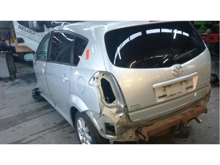 Toyota Corolla Verso (R10/11) 1.8 16V VVT-i (Klicken Sie auf das Bild für das nächste Foto)