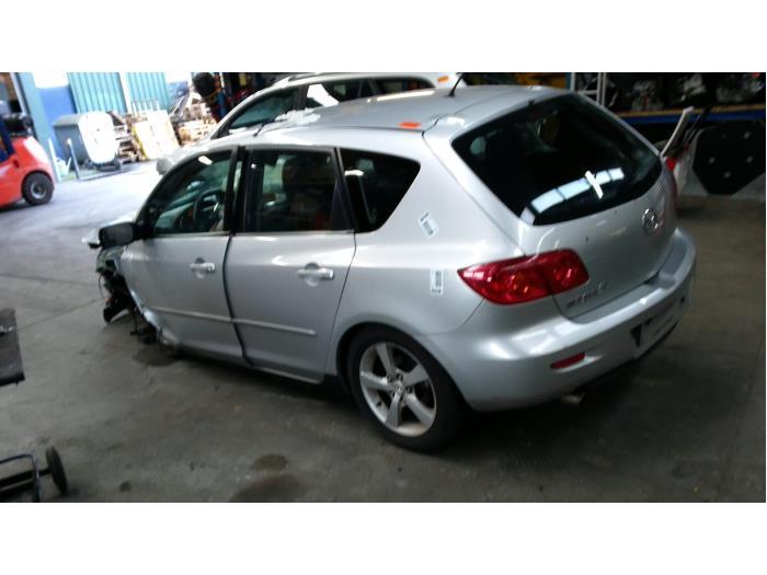 Mazda 3 Sport (BK14) 1.6i 16V (klik op de afbeelding voor de volgende foto)