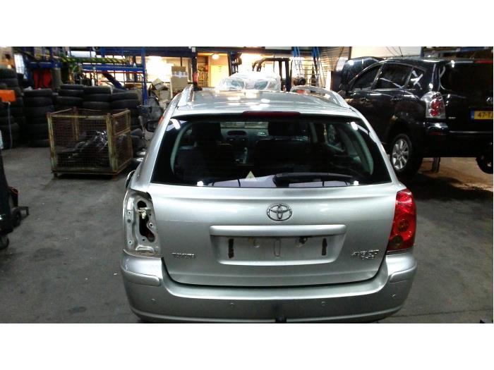 Toyota Avensis Wagon (T25/B1E) 2.2 D-4D 16V D-CAT (klik op de afbeelding voor de volgende foto)  (klik op de afbeelding voor de volgende foto)