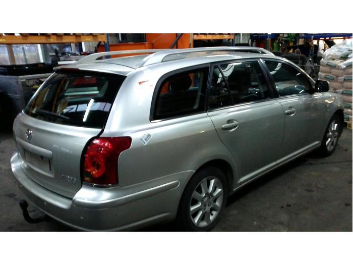 Toyota Avensis Wagon (T25/B1E) 2.2 D-4D 16V D-CAT (klik op de afbeelding voor de volgende foto)  (klik op de afbeelding voor de volgende foto)  (klik op de afbeelding voor de volgende foto)