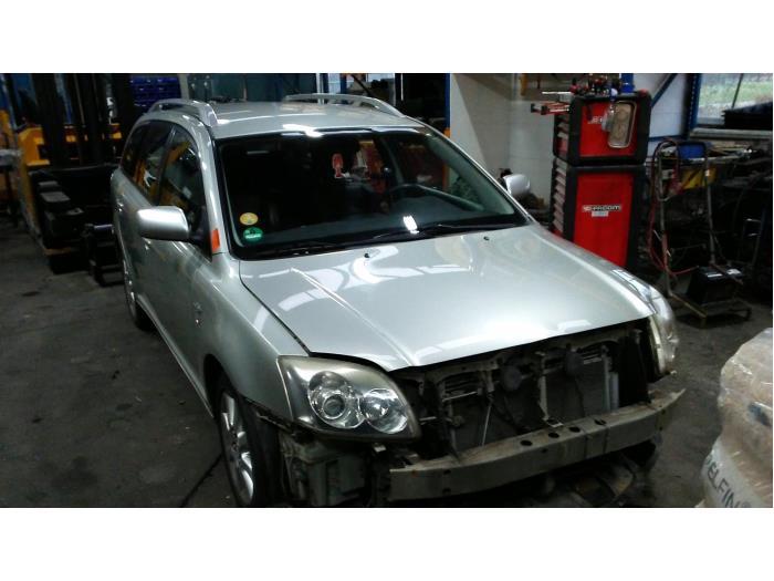Toyota Avensis Wagon (T25/B1E) 2.2 D-4D 16V D-CAT (klik op de afbeelding voor de volgende foto)  (klik op de afbeelding voor de volgende foto)  (klik op de afbeelding voor de volgende foto)  (klik op de afbeelding voor de volgende foto)  (klik op de afbeelding voor de volgende foto)  (klik op de afbeelding voor de volgende foto)