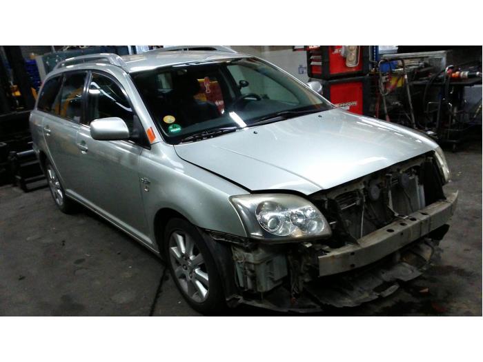 Toyota Avensis Wagon (T25/B1E) 2.2 D-4D 16V D-CAT (klik op de afbeelding voor de volgende foto)  (klik op de afbeelding voor de volgende foto)  (klik op de afbeelding voor de volgende foto)  (klik op de afbeelding voor de volgende foto)  (klik op de afbeelding voor de volgende foto)