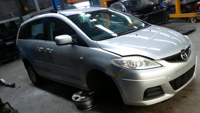 Mazda 5 (CR19) 1.8i 16V (klik op de afbeelding voor de volgende foto)  (klik op de afbeelding voor de volgende foto)  (klik op de afbeelding voor de volgende foto)