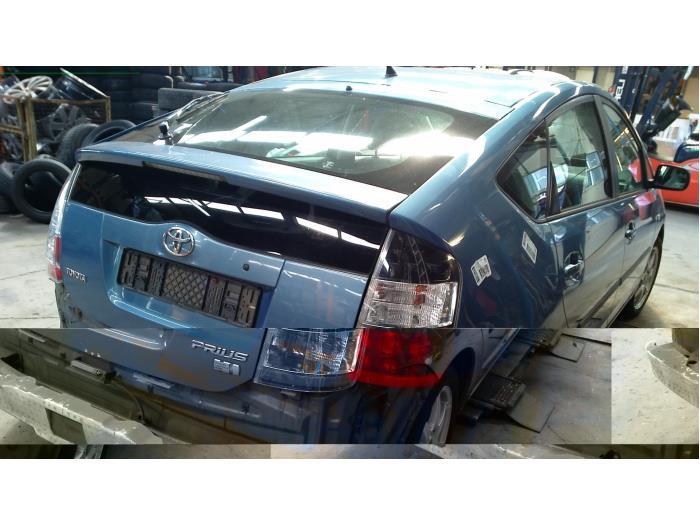 Toyota Prius (NHW20) 1.5 16V (klik op de afbeelding voor de volgende foto)  (klik op de afbeelding voor de volgende foto)  (klik op de afbeelding voor de volgende foto)