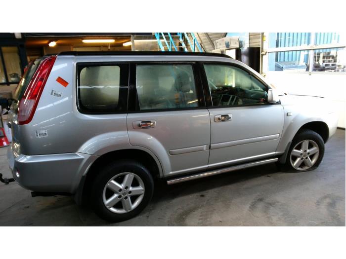 Nissan X-Trail (T30) 2.5 16V 4x4 (klik op de afbeelding voor de volgende foto)  (klik op de afbeelding voor de volgende foto)  (klik op de afbeelding voor de volgende foto)  (klik op de afbeelding voor de volgende foto)