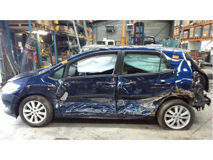 Toyota Auris (E15) 1.6 Dual VVT-i 16V (klik op de afbeelding voor de volgende foto)  (klik op de afbeelding voor de volgende foto)  (klik op de afbeelding voor de volgende foto)  (klik op de afbeelding voor de volgende foto)  (klik op de afbeelding voor de volgende foto)  (klik op de afbeelding voor de volgende foto)  (klik op de afbeelding voor de volgende foto)