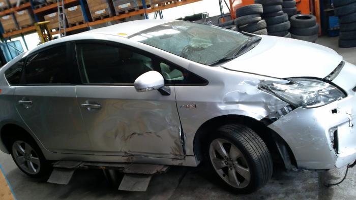 Toyota Prius (ZVW3) 1.8 16V (klik op de afbeelding voor de volgende foto)  (klik op de afbeelding voor de volgende foto)  (klik op de afbeelding voor de volgende foto)  (klik op de afbeelding voor de volgende foto)