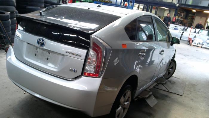 Toyota Prius (ZVW3) 1.8 16V (klik op de afbeelding voor de volgende foto)  (klik op de afbeelding voor de volgende foto)  (klik op de afbeelding voor de volgende foto)