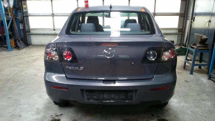 Mazda 3 (BK12) 1.6i 16V (klik op de afbeelding voor de volgende foto)  (klik op de afbeelding voor de volgende foto)  (klik op de afbeelding voor de volgende foto)