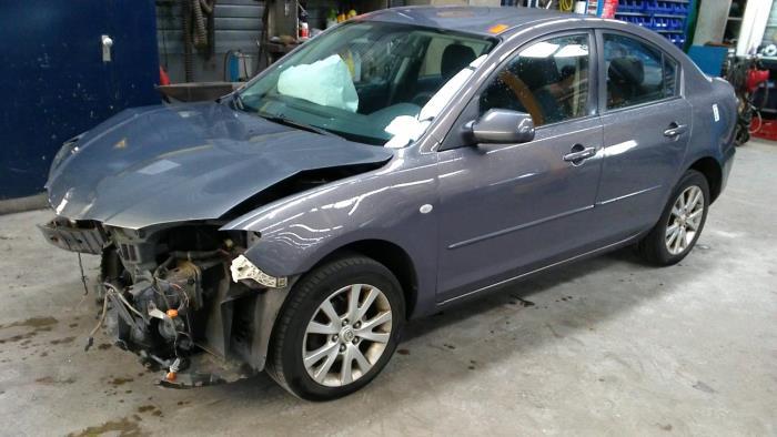 Mazda 3 (BK12) 1.6i 16V (klik op de afbeelding voor de volgende foto)  (klik op de afbeelding voor de volgende foto)  (klik op de afbeelding voor de volgende foto)  (klik op de afbeelding voor de volgende foto)  (klik op de afbeelding voor de volgende foto)  (klik op de afbeelding voor de volgende foto)