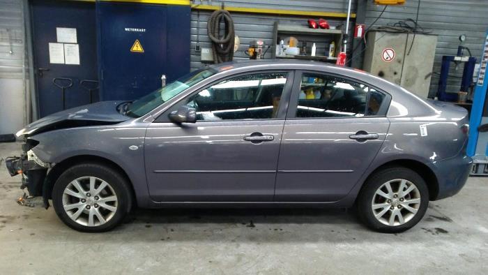 Mazda 3 (BK12) 1.6i 16V (klik op de afbeelding voor de volgende foto)