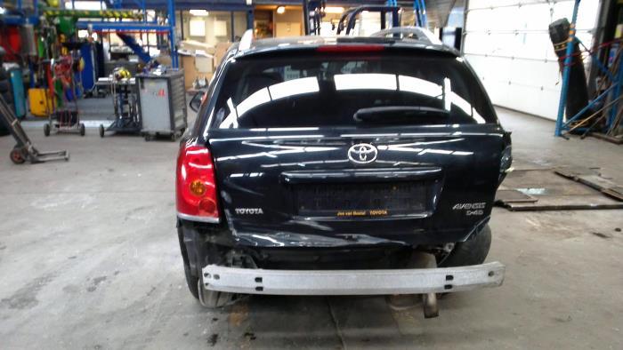 Toyota Avensis Wagon (T25/B1E) 2.2 D-4D 16V (klik op de afbeelding voor de volgende foto)  (klik op de afbeelding voor de volgende foto)
