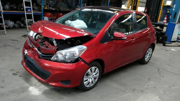 Toyota Yaris III (P13) 1.4 D-4D-F (klik op de afbeelding voor de volgende foto)  (klik op de afbeelding voor de volgende foto)  (klik op de afbeelding voor de volgende foto)  (klik op de afbeelding voor de volgende foto)  (klik op de afbeelding voor de volgende foto)  (klik op de afbeelding voor de volgende foto)