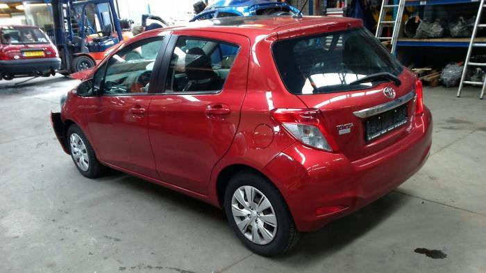 Toyota Yaris III (P13) 1.4 D-4D-F (klik op de afbeelding voor de volgende foto)  (klik op de afbeelding voor de volgende foto)  (klik op de afbeelding voor de volgende foto)  (klik op de afbeelding voor de volgende foto)  (klik op de afbeelding voor de volgende foto)