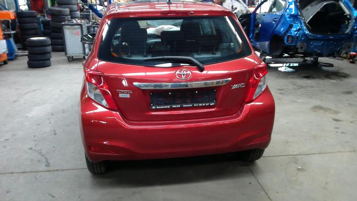 Toyota Yaris III (P13) 1.4 D-4D-F (klik op de afbeelding voor de volgende foto)